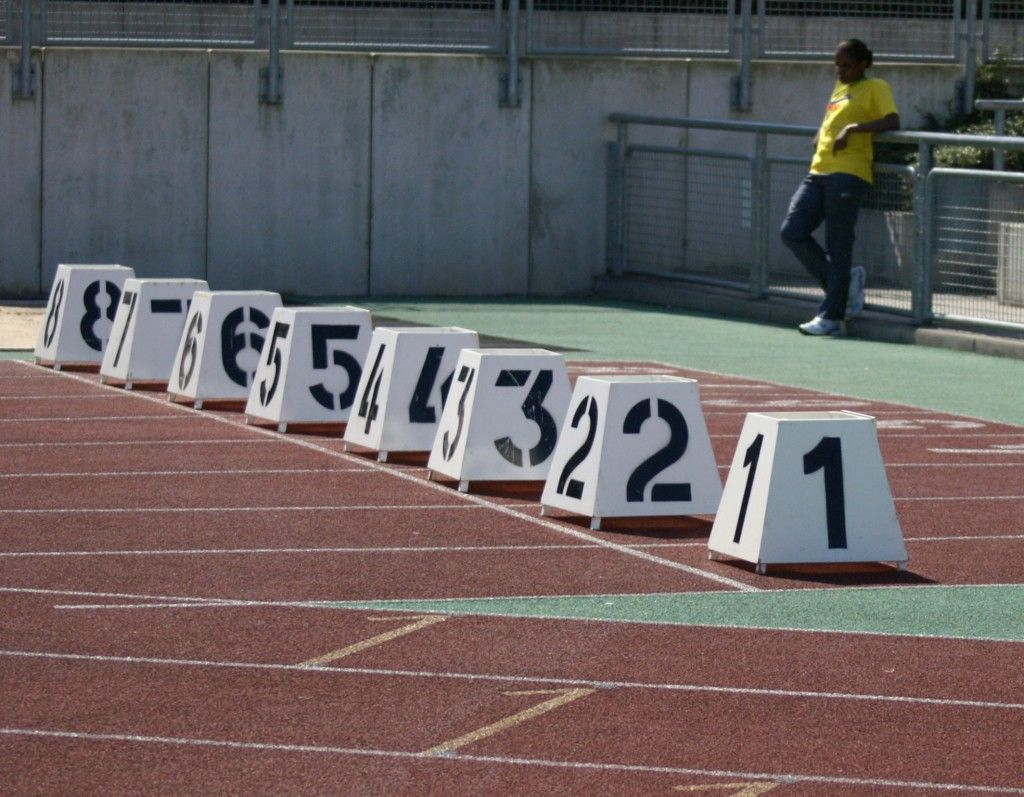 Track & Field Equipment at Athletic.Equipment (mit Bildern)