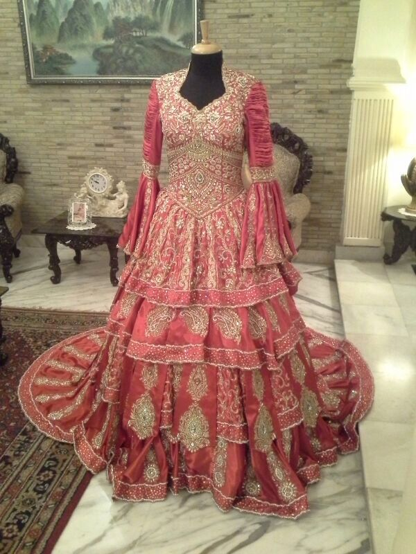 Red royal gown | Lehenga | Pinterest