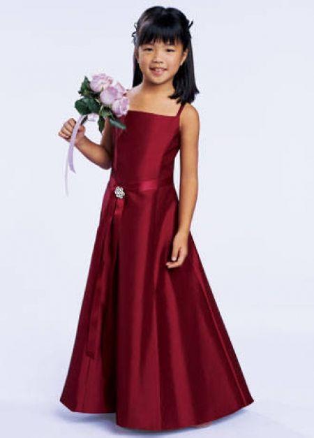 Vestidos de dama de honor niña | Descubre AQUI los Mejores Vestidos de Novia Originales: http://imagenesdevestidosdenovia.com/vestidos-de-dama-de-honor-nina/