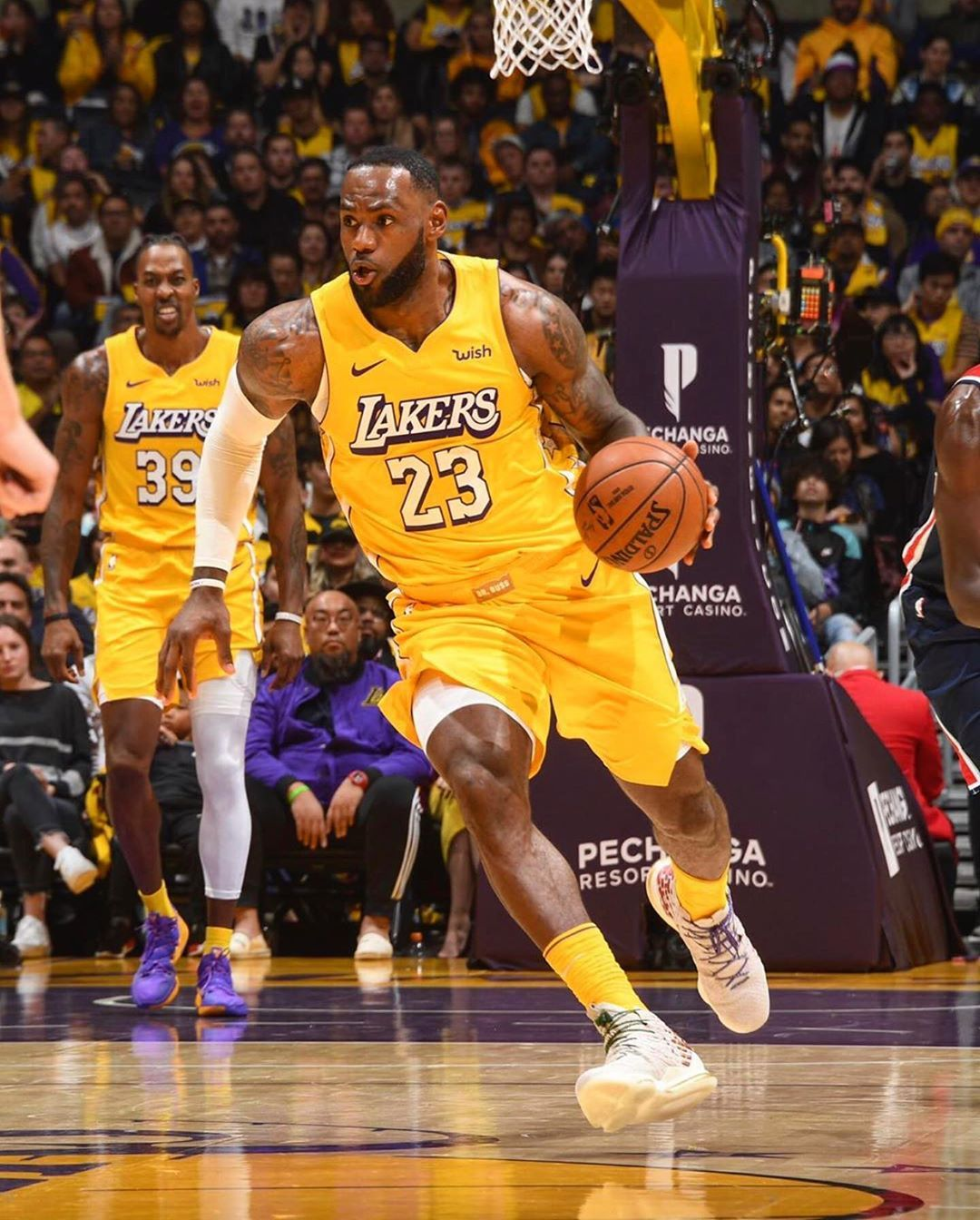 Lebron James On Instagram Final The La Lakers Win Their 10th Straight Game After Defeating Washington 125 103 Lebron James Playe Lebron James Lakers Kobe Bryant Lebron James La Lakers