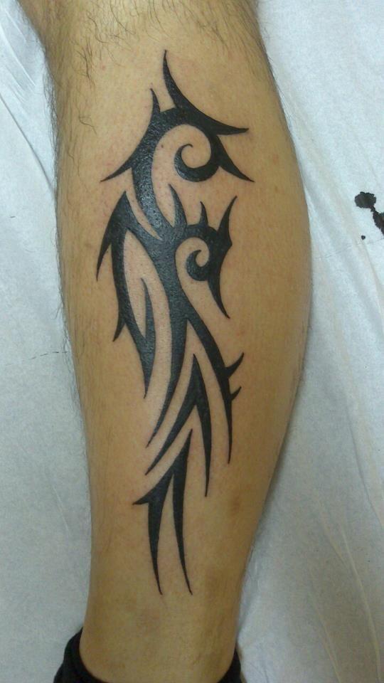 tattoo tatouage maori tribal polyn sien jambe mollet tattoo tatouage tatouage tribal homme. Black Bedroom Furniture Sets. Home Design Ideas