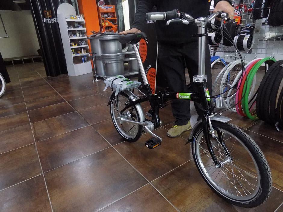 Bicicleta plegable sin cadena, con cardan #Beixo Compact en color - kleine regale f r k che