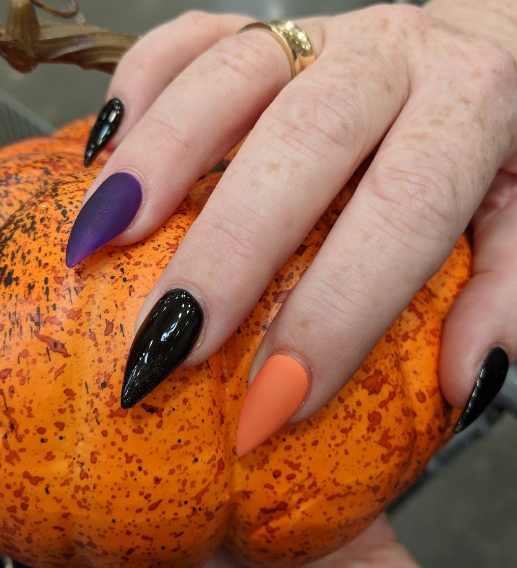Matte purple & orange with shiney black | Halloween nails ...