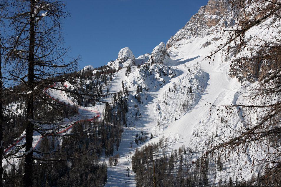 The ski slopes of Tofane skiarea seen from the Col Drusciè.