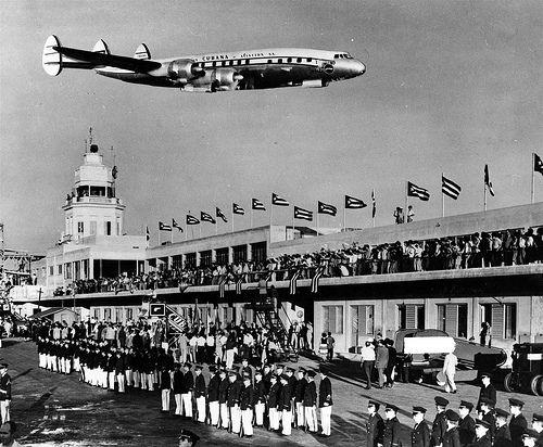 27 August 11 Puerto Rico Cuba Flights Resume After Decades Vintage Cuba Cuba Cuba Photos