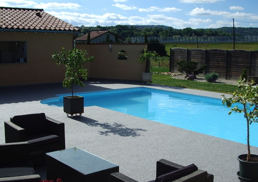 Floor granideco est sp cialiste en sol et b ton drainant - Revetement ideal pourtour de piscine ...