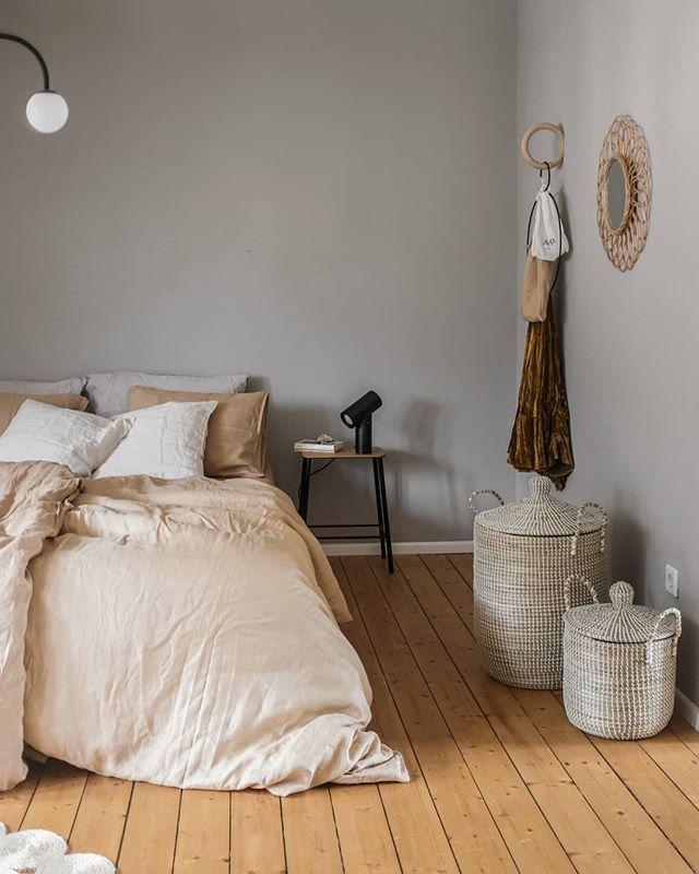 """Photo of anno på Instagram: """"Dette rolige soverommet med sengetøy og kurver fra Anno hører til @swantjeundfrieda Takk for 📸! #annocollection #linen # basket… """""""