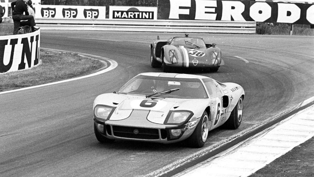 Looking Back 1969 Ford Gt40 Wins Fourth Straight 24 Hours Of Le Mans Ford Gt40 Ford Racing