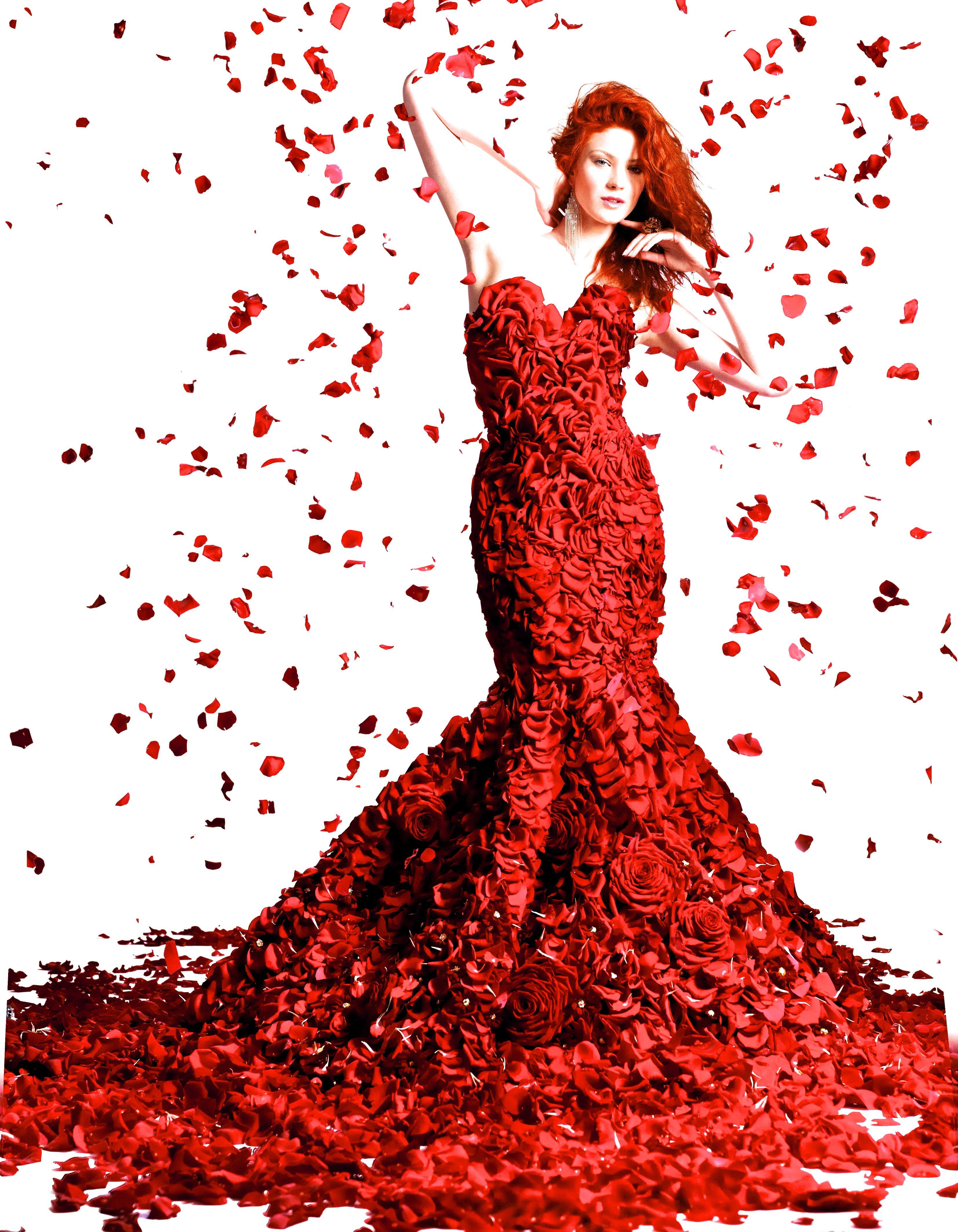 198877a6c7f Robe en pétales de rose rouge par Joseph Massie Creative