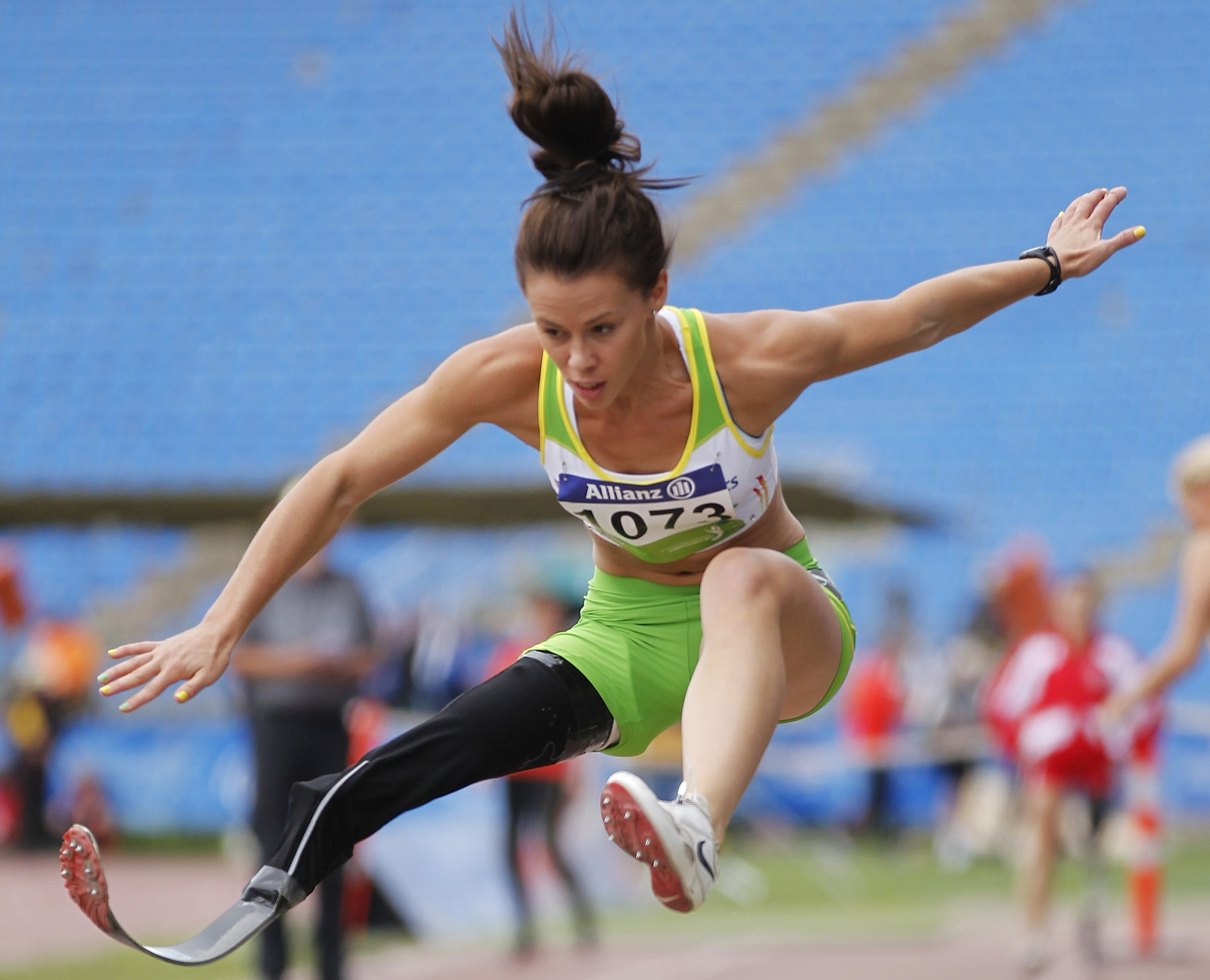 120412101444414_Kelly+3.jpg (3000×2429) Long jump
