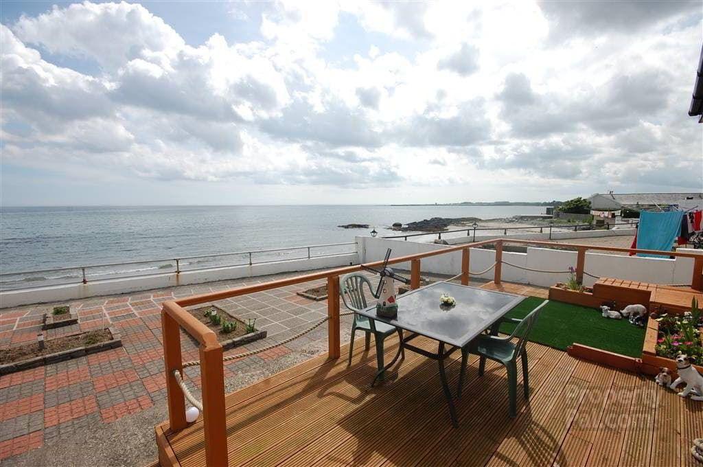 'Seaspray' Beachside Villa, 221 Ballywalter Road