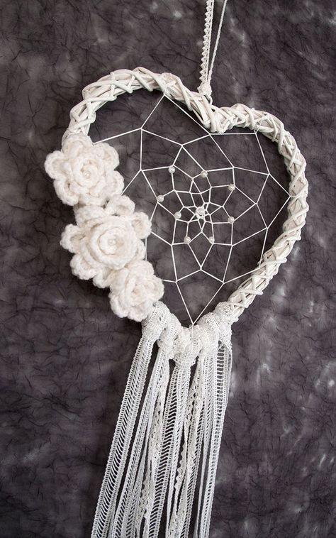 White Heart Dream Catcher decoración de la boda decoraciones de la boda white dream catcher boho dreamcatchers colgante de pared decoración de la pared flores de ganchillo