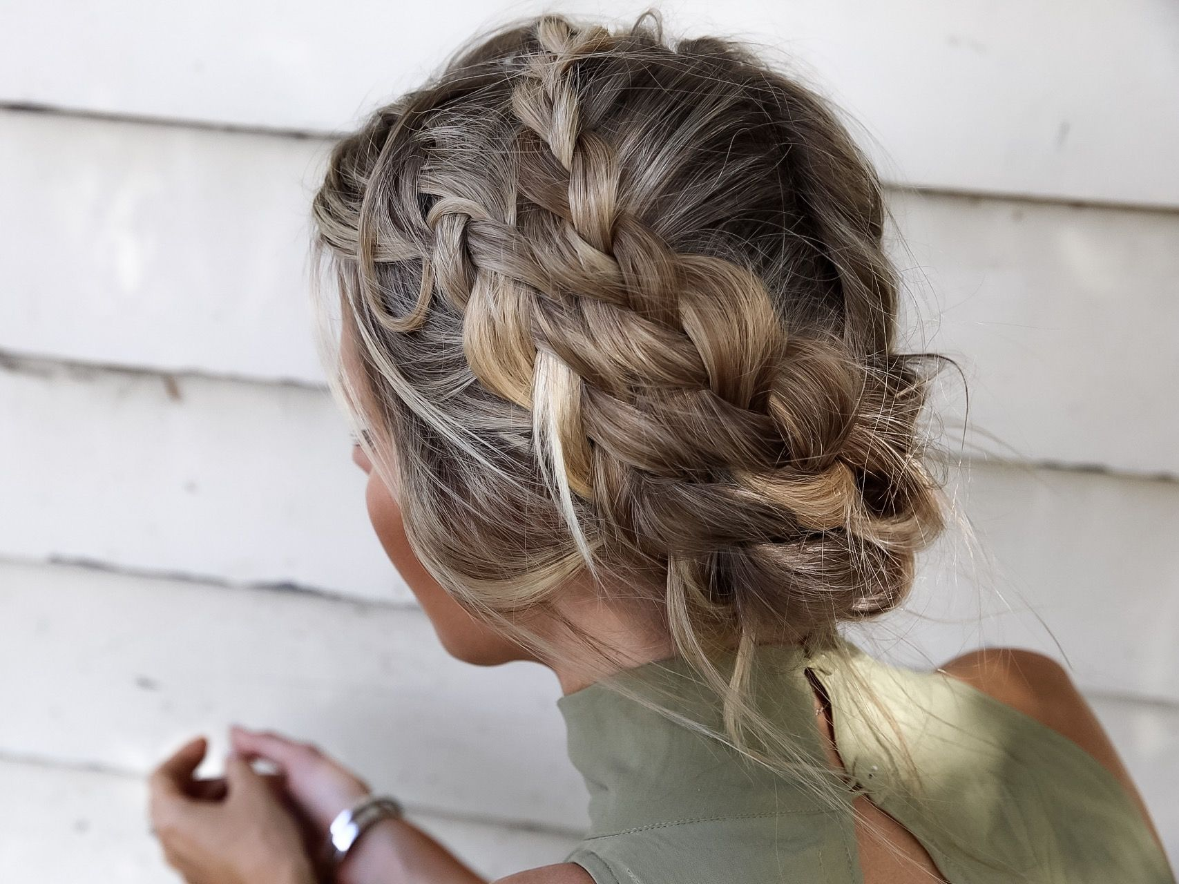 Pin by becca risenhoover on own that ponytail work that updo