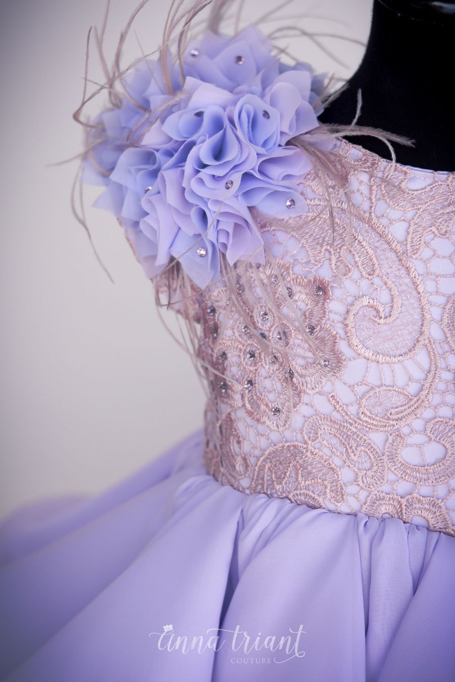 New design for lovers of dusty pinks and flowy silhouettes - | Gadis ...