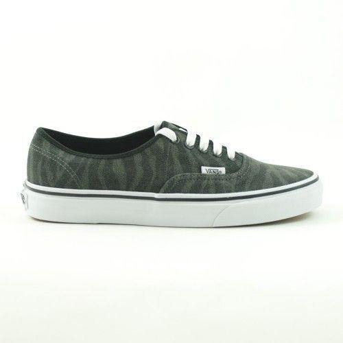 Vans Authentic Donna Basse Zebra - new collection A/I 2014-15   #vans #sneakers #skate #skateboard #skateboarding