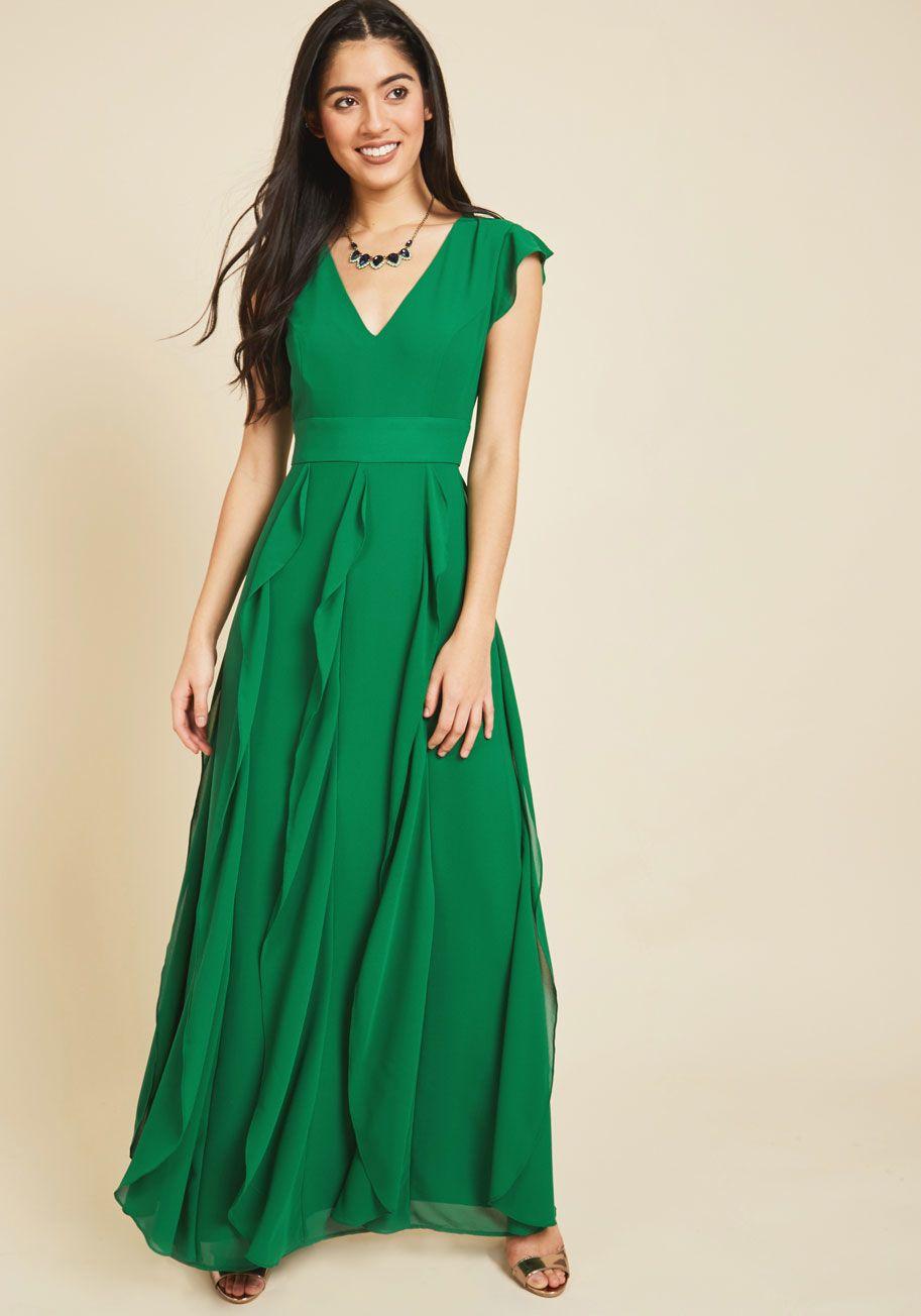 Exquisite epilogue maxi dress in etched blossoms hopper