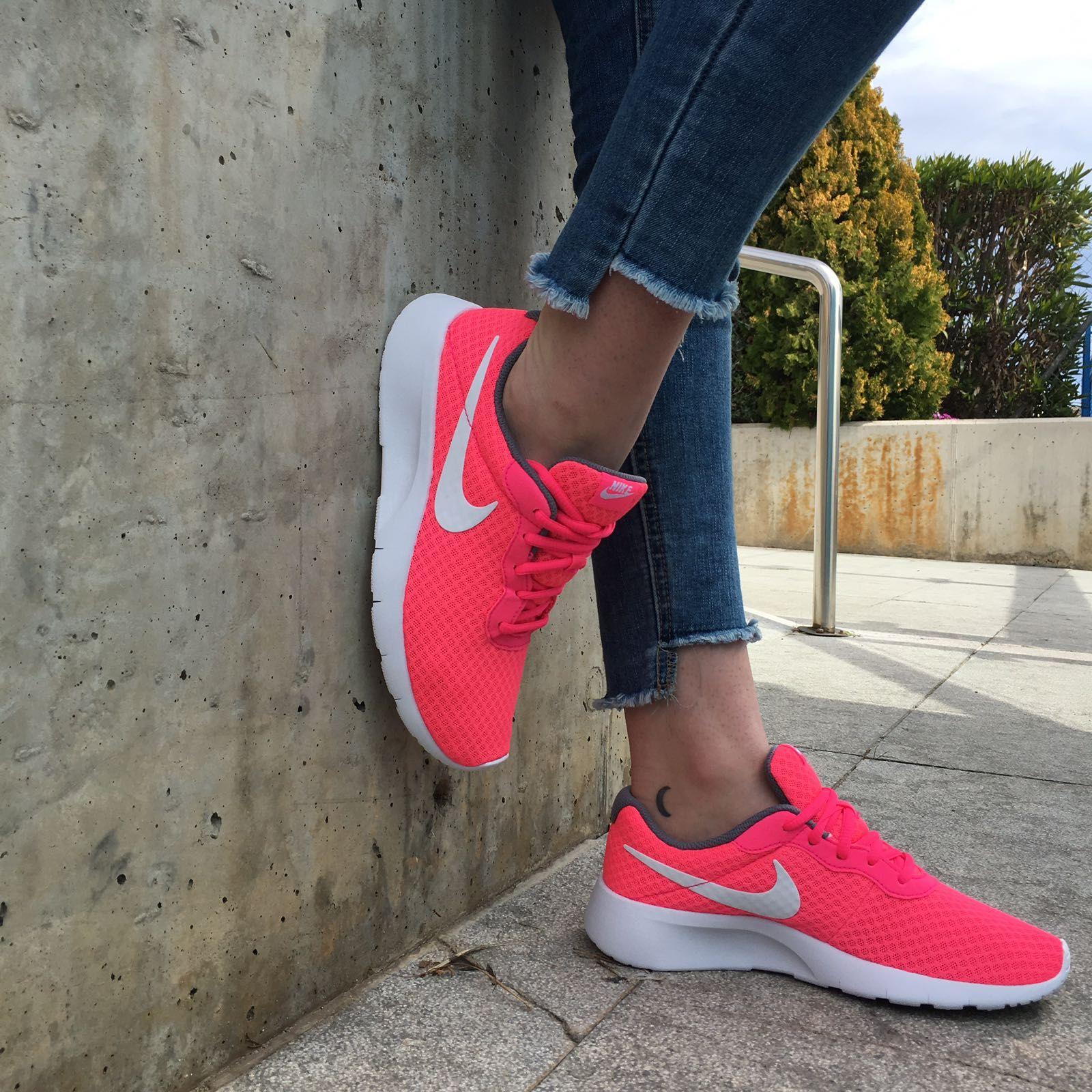 Y para esta primavera... Fucsia. Nuevas Nike Tanjun, súper ...