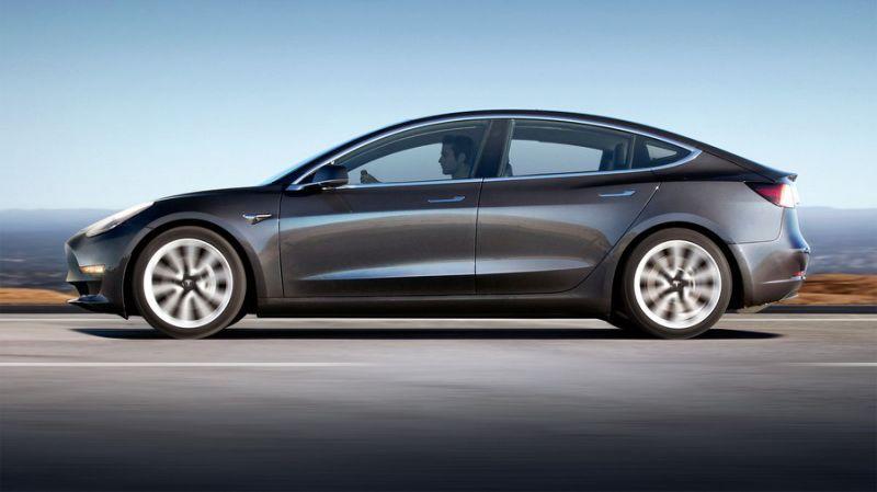 Tesla Planning 1 5 Billion Bond Offering To Support Model 3