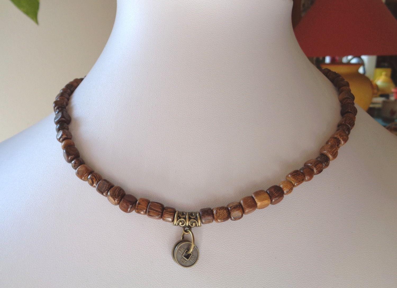 vente la plus chaude style moderne acheter en ligne Collier court pour homme en perles de bois exotique marron ...