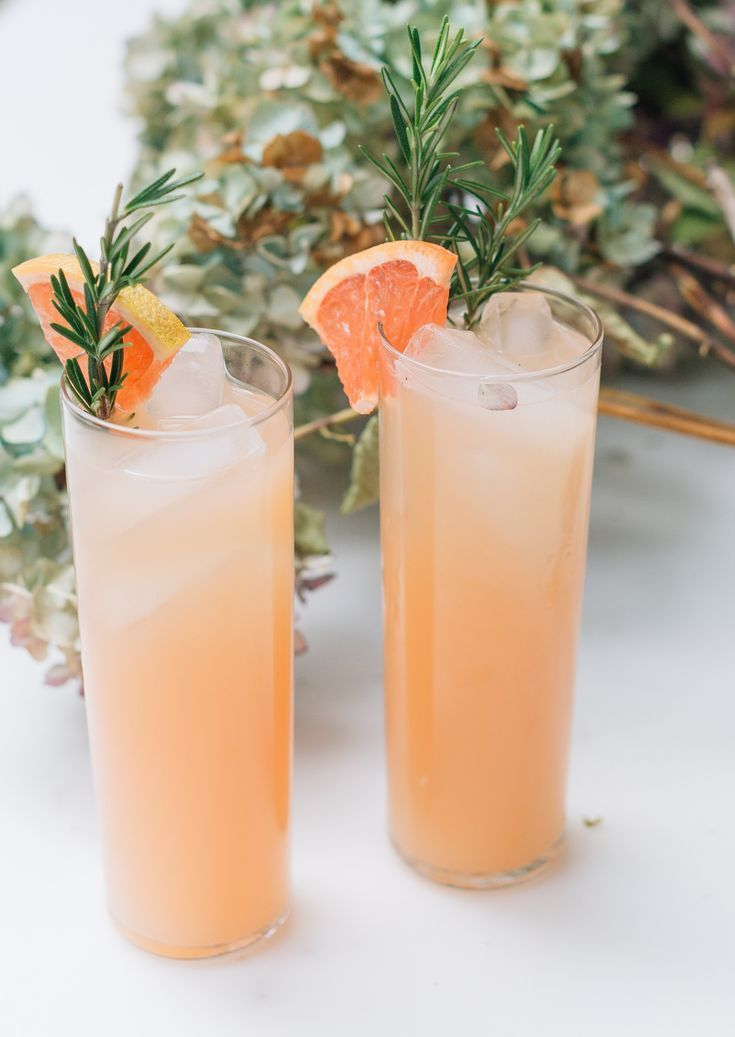 The Rosemary Grapefruit Refresher: Easter Cocktail Goals #beverages