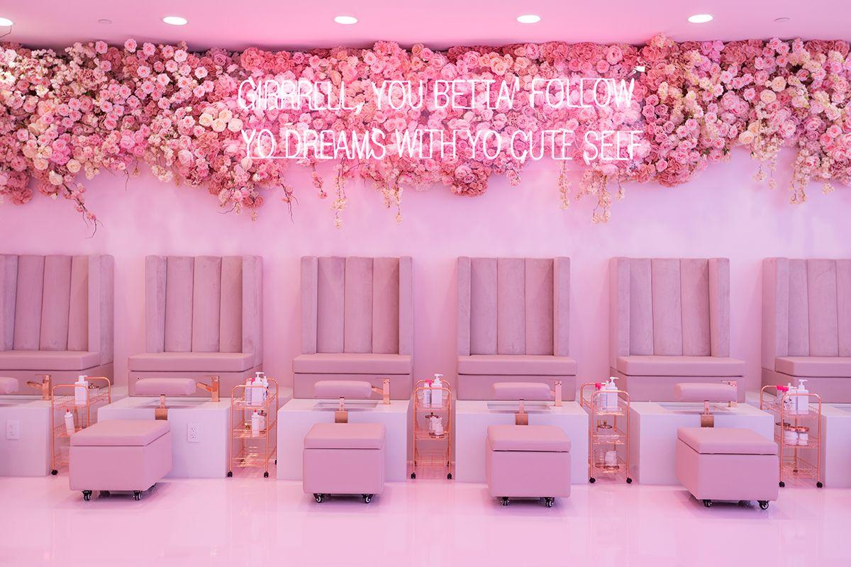 Sol Beauty Co Nail Bar Nail Salon Design Beauty Bar Salon Beauty Room Salon Red nail salon dubai read reviews and
