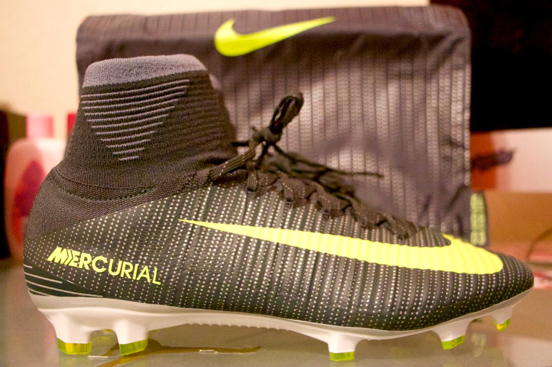 Nike Mercurial SUPERFLY V CR7 FG Size 10.5 Soccer Cleats Ronaldo 852511 376