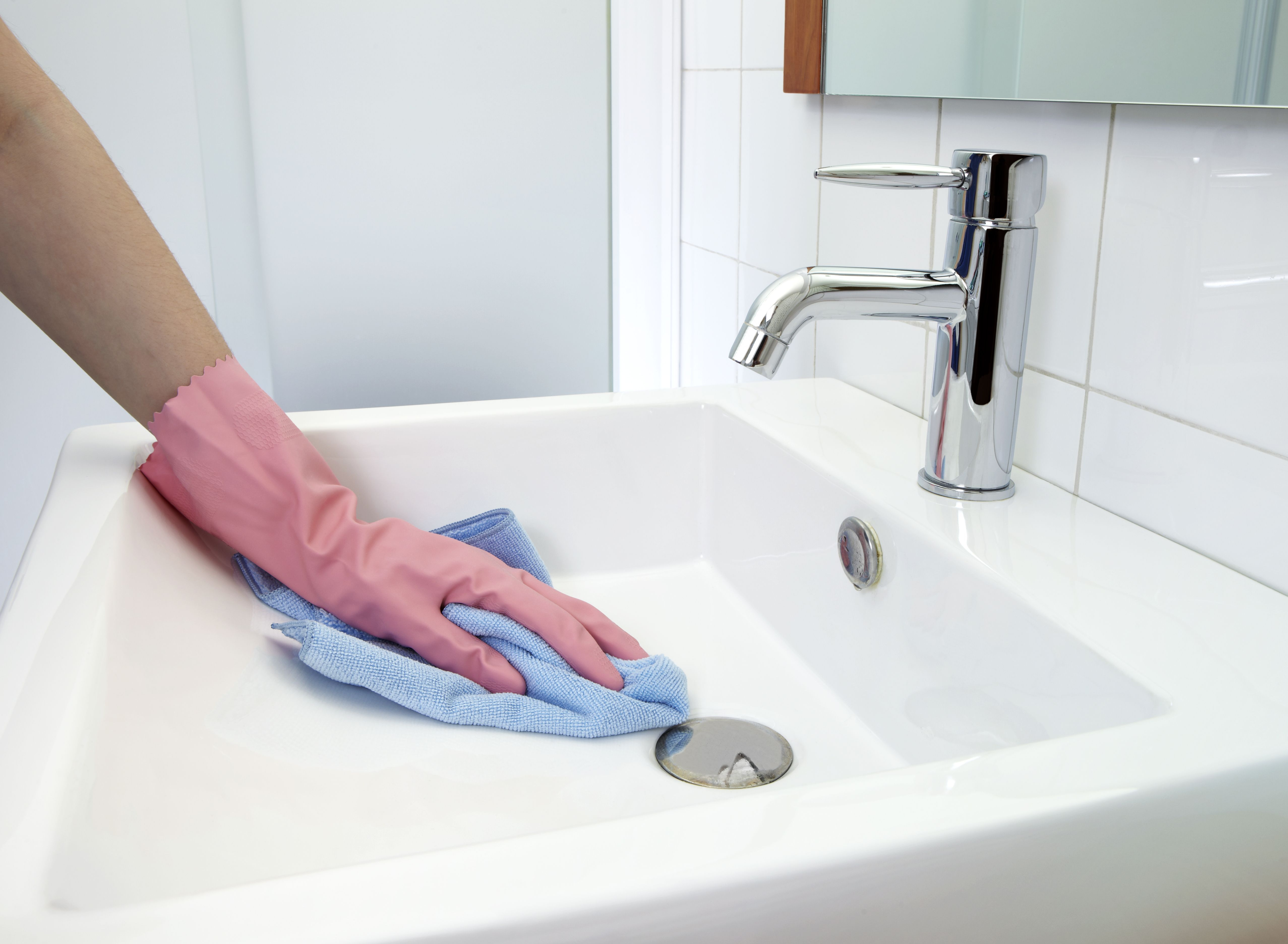 Use These Tips to Remove Rust Stains From Toilets, Tubs ...