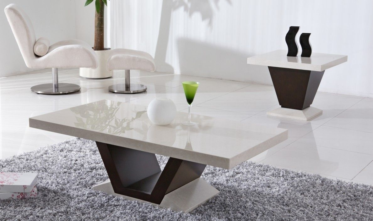 Living Room Table Sets With White Wall Color And White Carpet House Interio