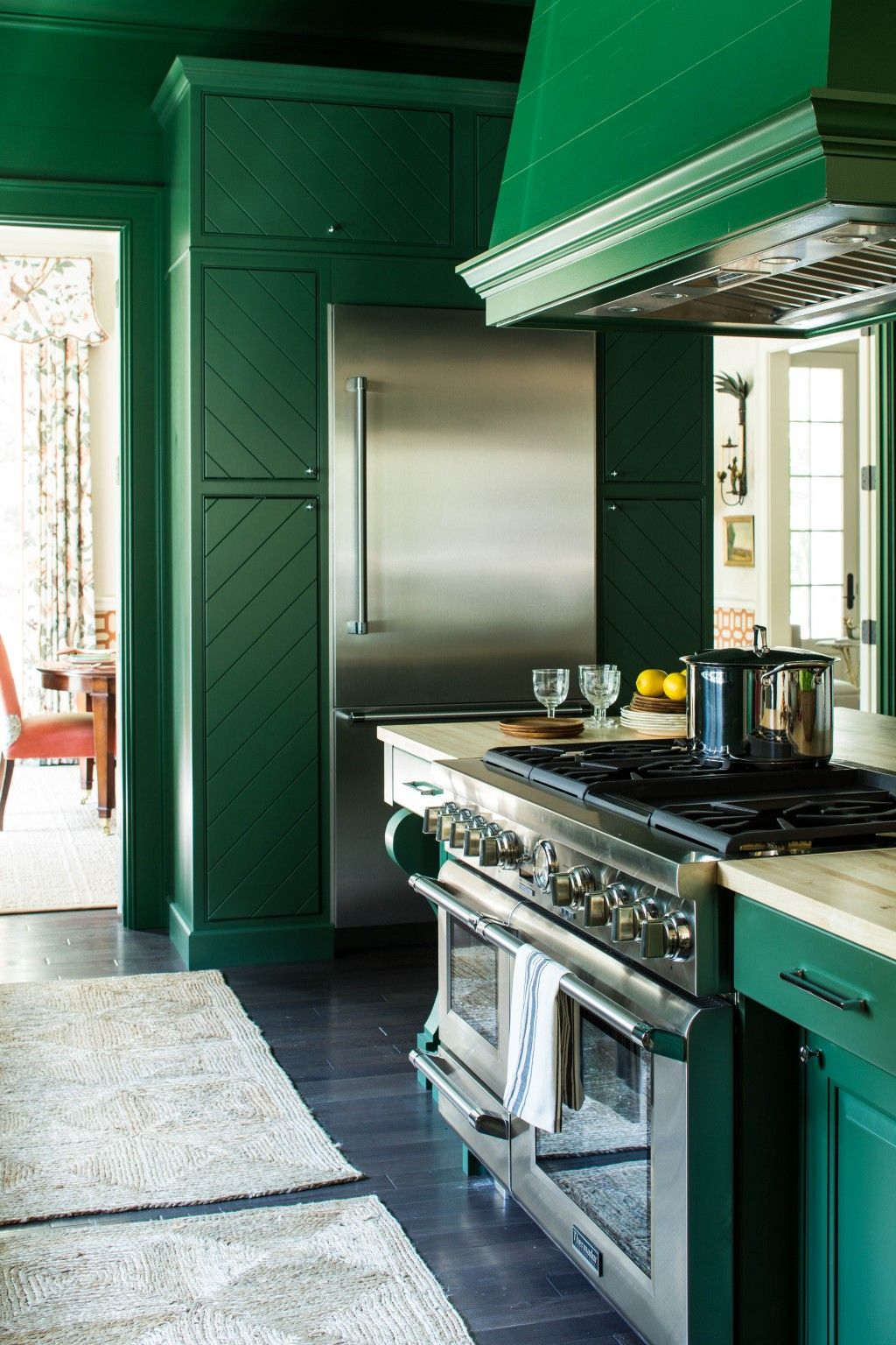 The 2016 Southern Living Idea House Reinventing Iconic Style Dark Green Kitchen Green Kitchen Kitchen Trends