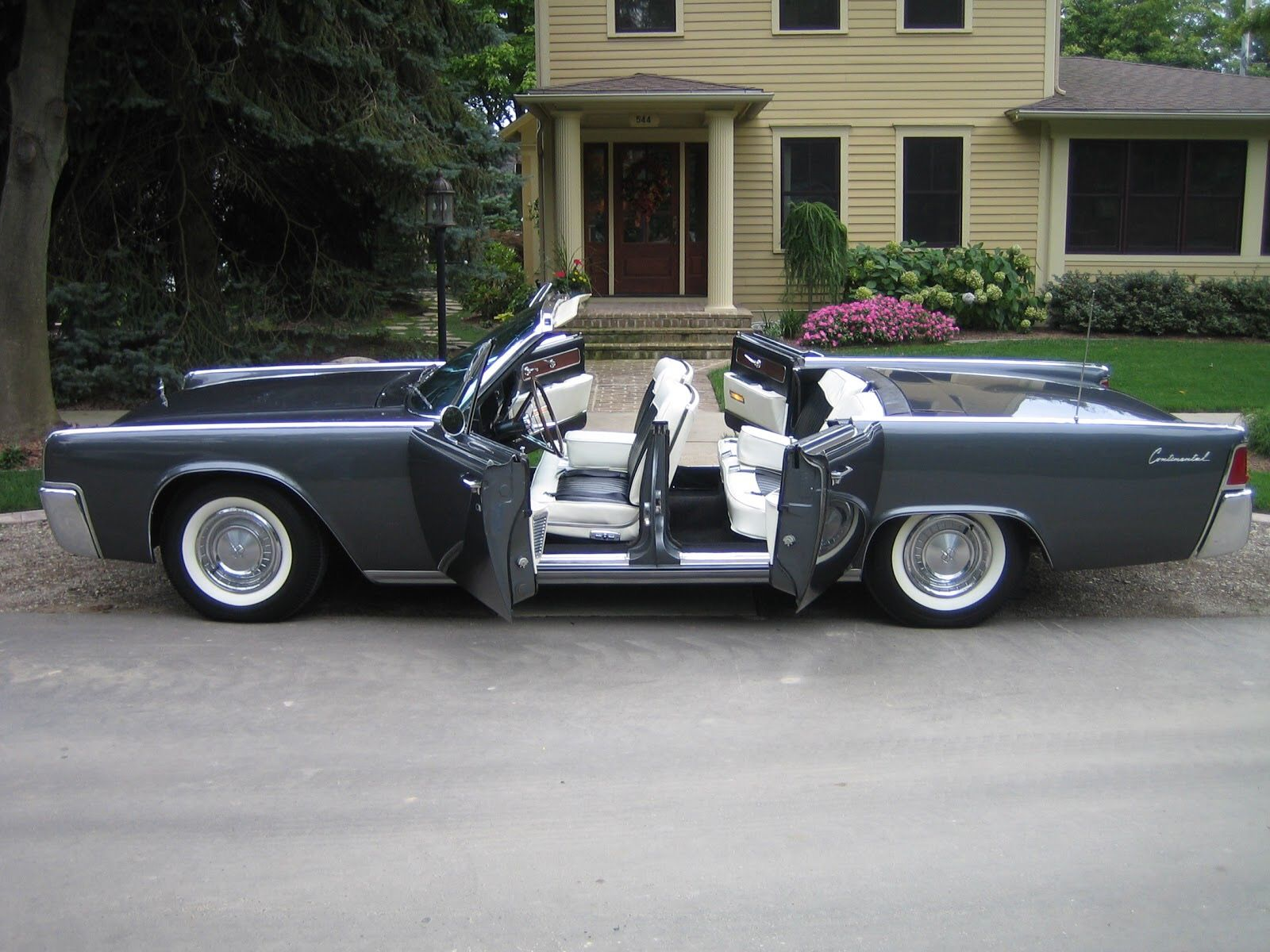1961 lincoln continental convertible cars american icons pinterest convertible cars and. Black Bedroom Furniture Sets. Home Design Ideas