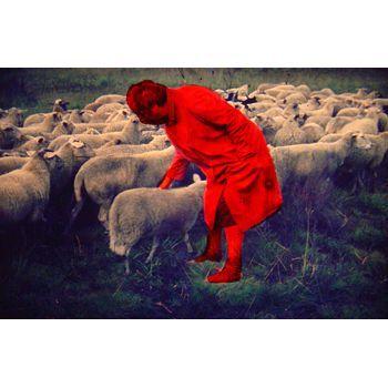 Ruth Van Beek, Rode vrouw, Uit de dia serie ''Mountain Memories of de Nooitgemaakte Reis'' , verf op dia, 2006