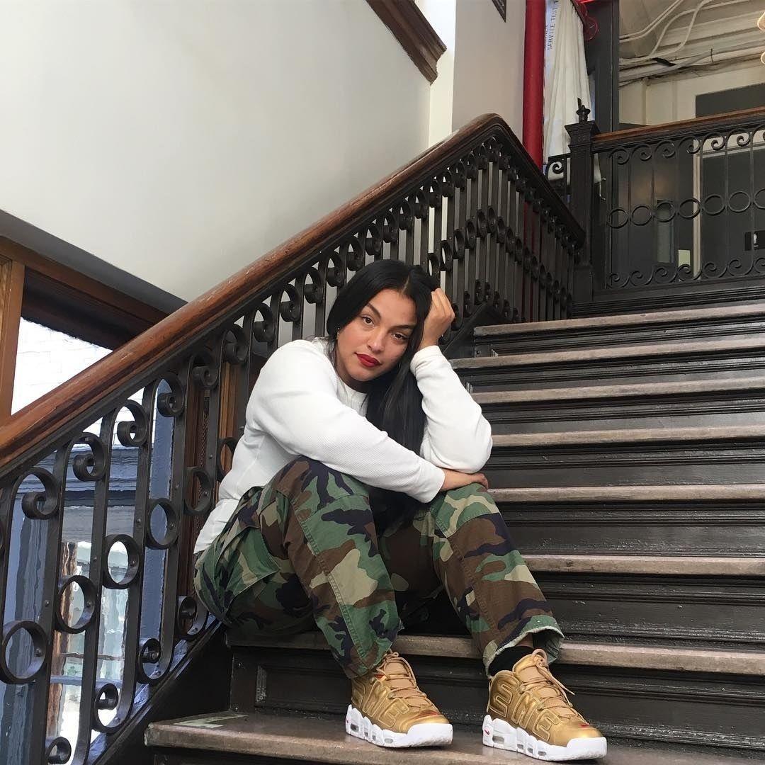 10 Fashionable Female Sneakerheads to