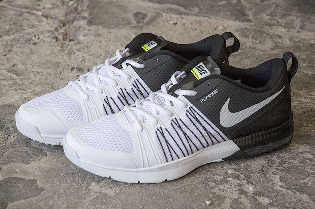 sports shoes 88cfa 28dfa ... NIKE AIR MAX EFFORT TR (BLACKWHITE) Sneaker Freaker . ...
