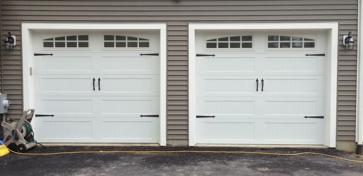 Totally Different Direction For Garage Door. Overhead Barn Door Style. I  Like The Clearstory