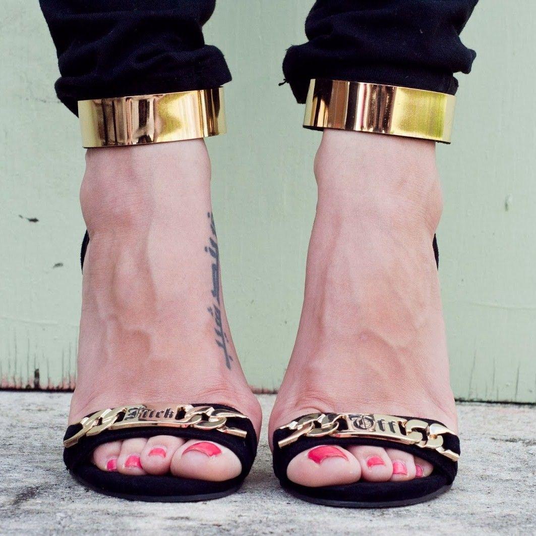 Как в туфлях ебут девушек