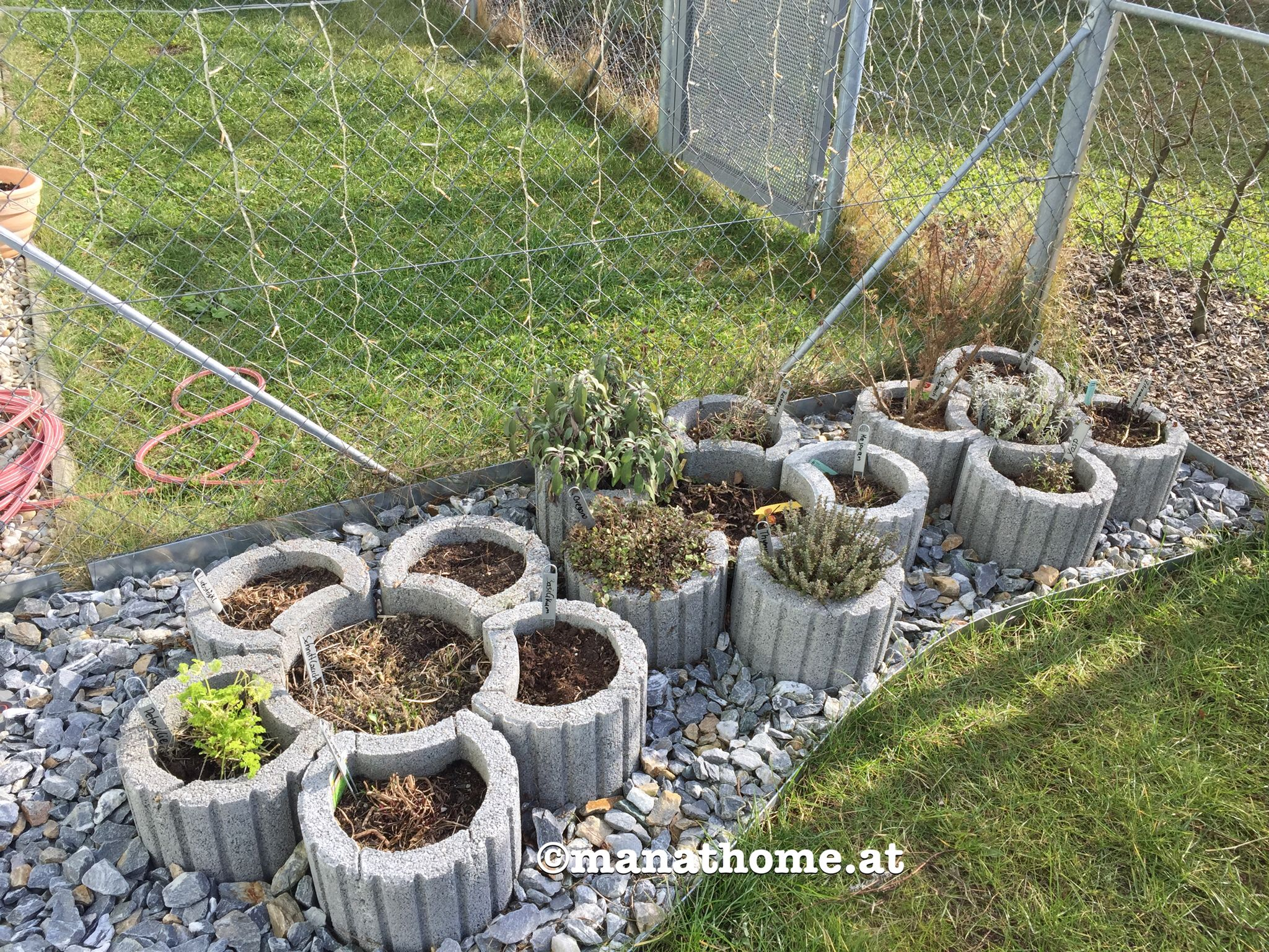 gartengestaltung kräuterbeet kräutergarten #kräuterbeet #kräuter #garten