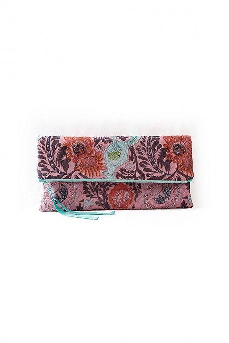 free pattern for a fold over clutch | DIY | Costura, Monederos y Bolsos