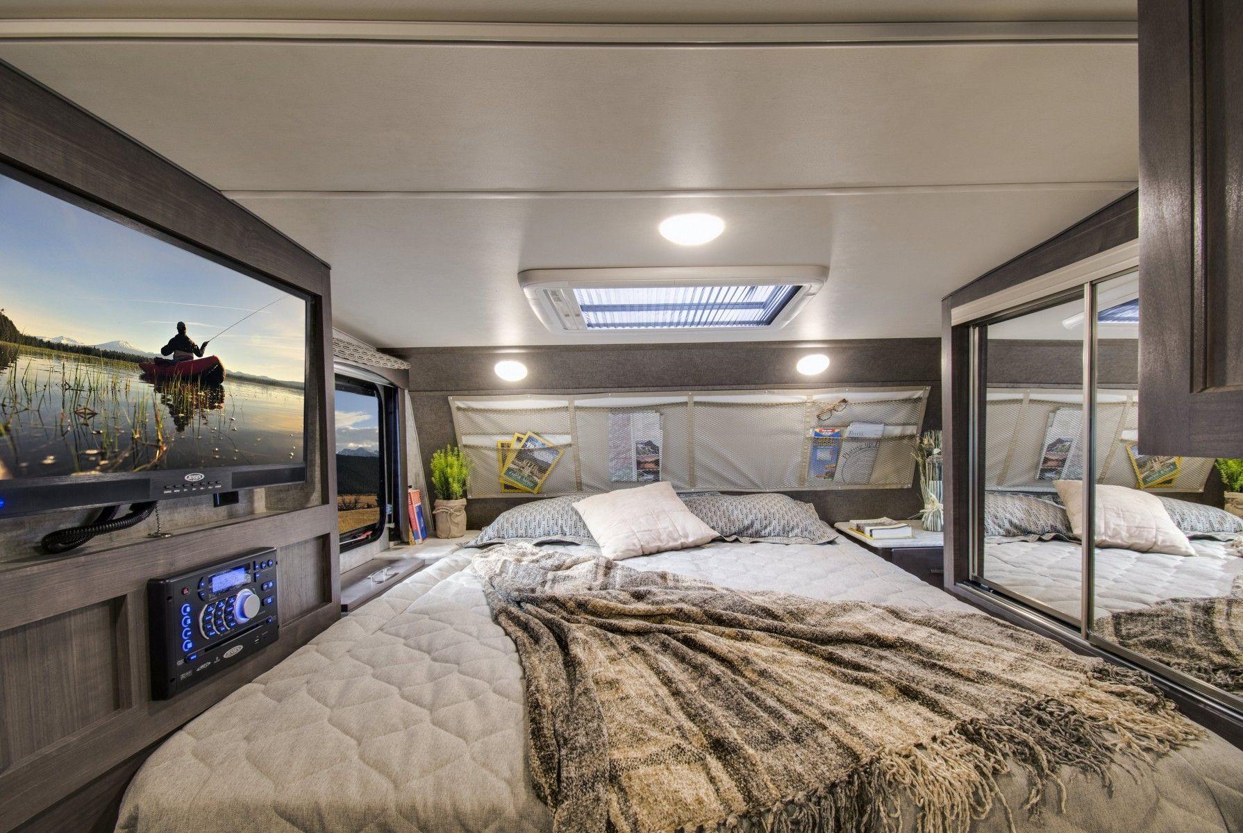 30 Amazing Picture of Camper Bedroom