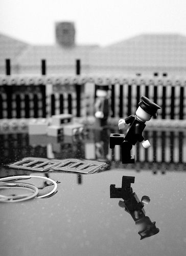 Photo nerds everywhere, behold- the Lego decisive moment...