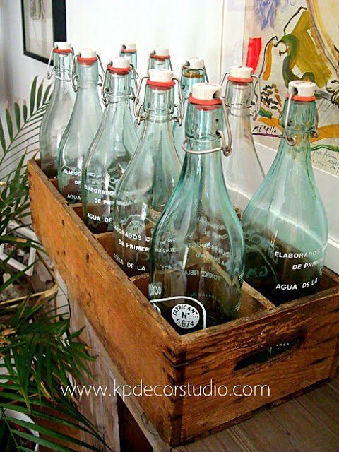 caja de botellas antiguas de madera antique wooden box and bottles buy it in