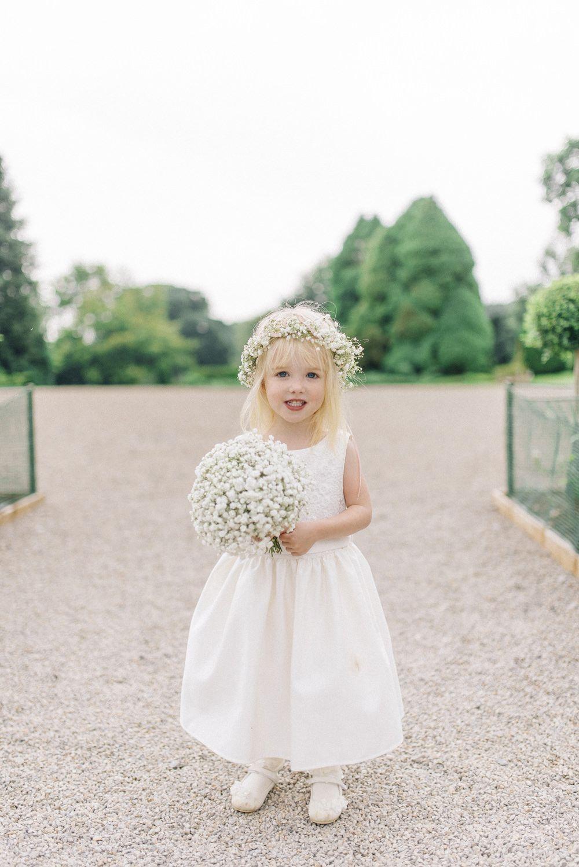 An outdoor wedding with Lyn Ashworth gown | Brautjungfer, Kinder ...