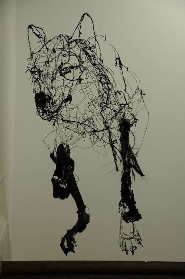 Wiry Wolf Sculpture by David Oliveira