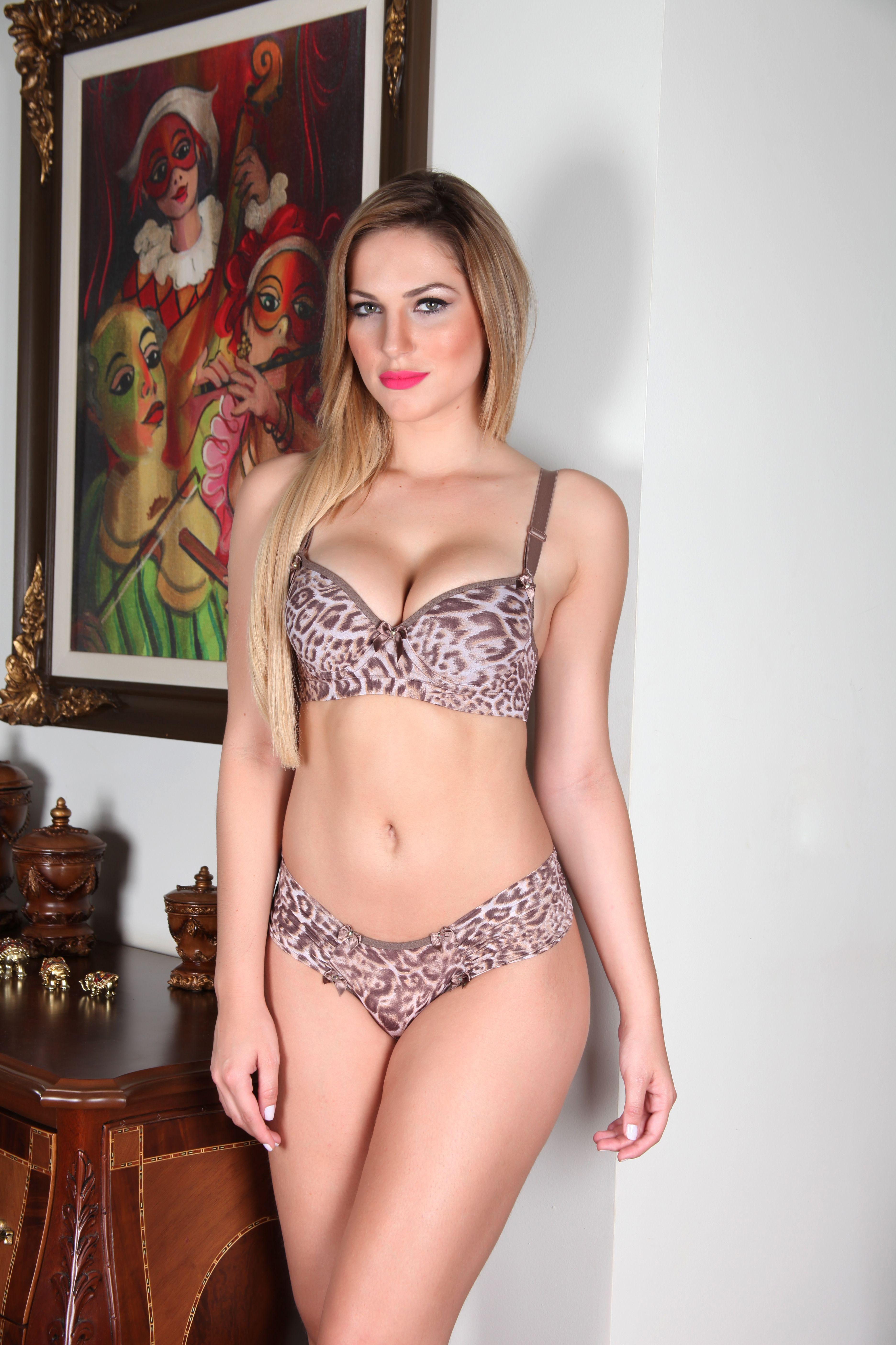 0485430718 Aime Bra and Panty Set