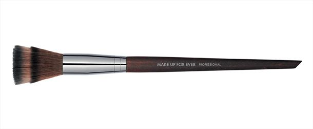 Make Up For Ever Lancia Una Nuova Linea Di Pennelli #mufe #makeupforever #brushes #pennelli #newcollection #makeup http://www.tentazionemakeup.it/2013/10/i-pennelli-by-make-up-for-ever/