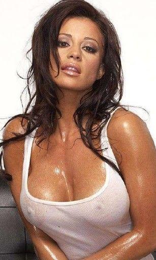 melina-perez-wet-boobs