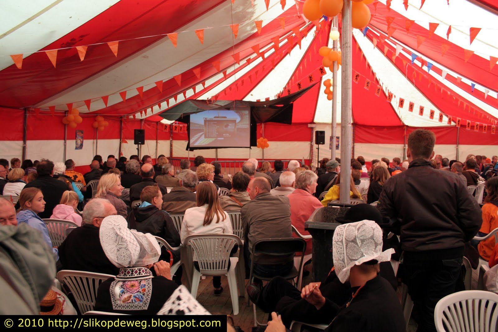 SlikopdeWeg: WK-Mania  Volendam en Cadzand #Cadzand #Volendam