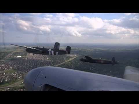 WHO-Tube: WOW Avro Lancaster from on board the Mosquito - WAR HISTORY ONLINE