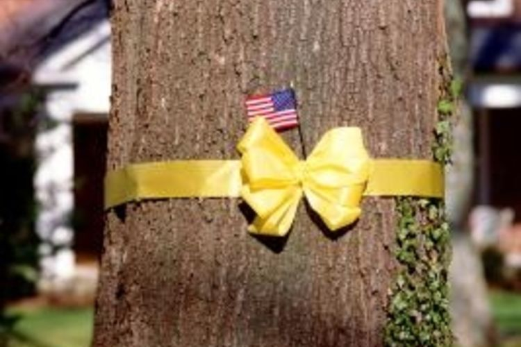 How to make yellow ribbon bows for our military yellow