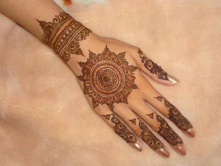 Mehndi Bridal Back Side : Peacock round tikki mehndi designs latest collection