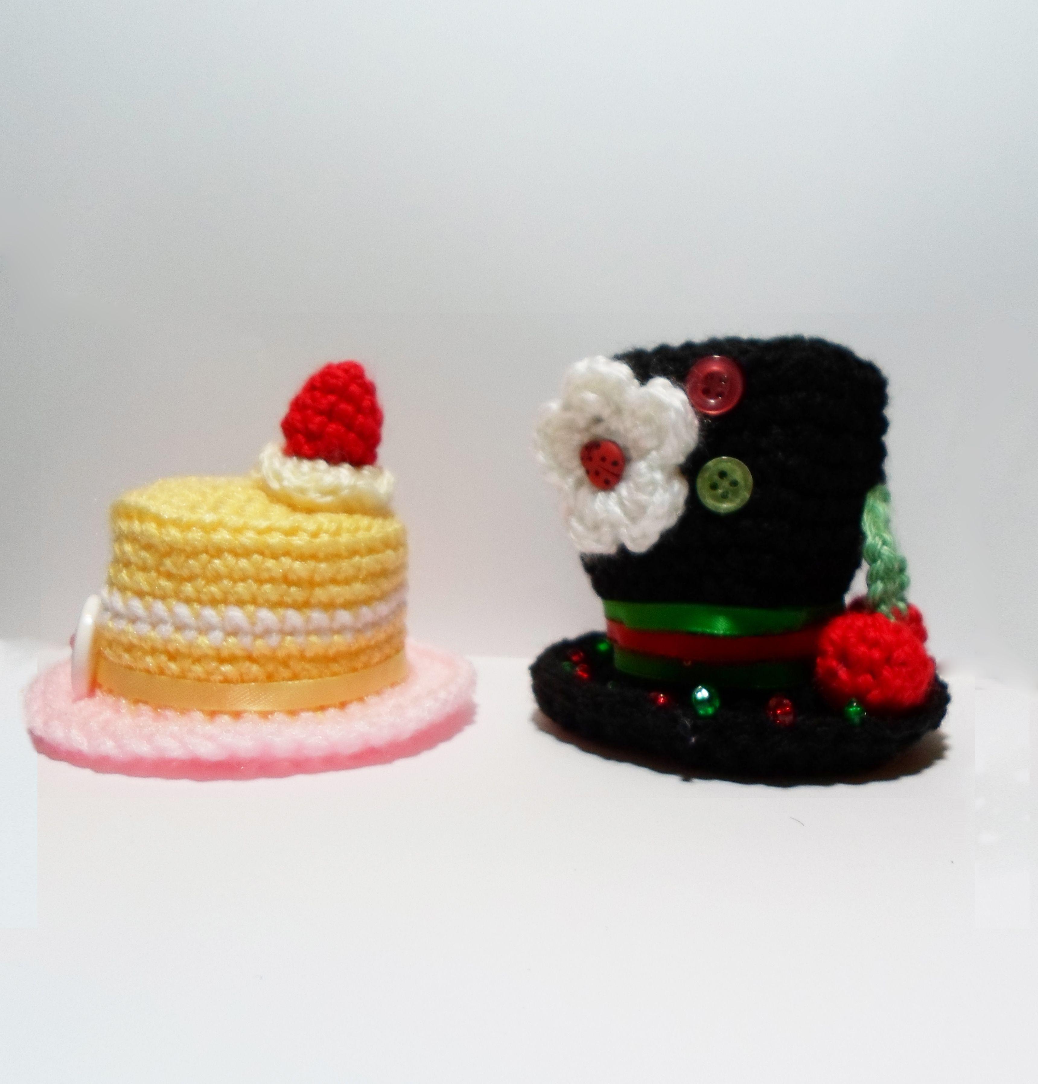 We\'re all A Little Mad: Crochet Mini Top Hat Pattern | Mad, Crochet ...
